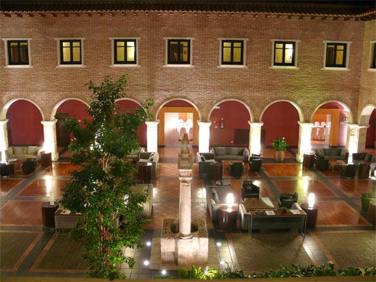 Claustro - AC Hotel Palacio de Santa Ana