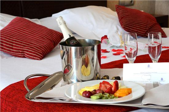 La cadena de hoteles-balneario de alta gama Castilla Termal Hoteles ofrece experiencias especiales para el día más romántico del año.