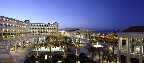 El Hotel Santos las Arenas celebra su X aniversario con paquetes especiales
