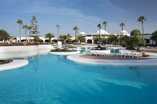 Hoteles Elba incorpora a su cadena Hotel Corbeta Lanzarote y lo convierte en el Elba Lanzarote Royal Village Resort