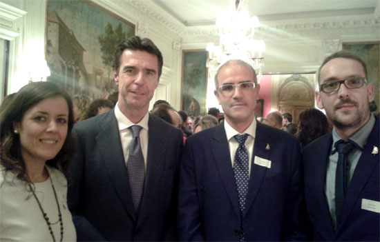 El ministro de turismo, José Manuel Soria en la recepción en la Embajada de España en Londres