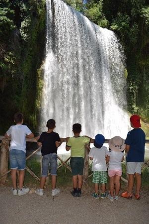 Niños en Monasterio de Piedra