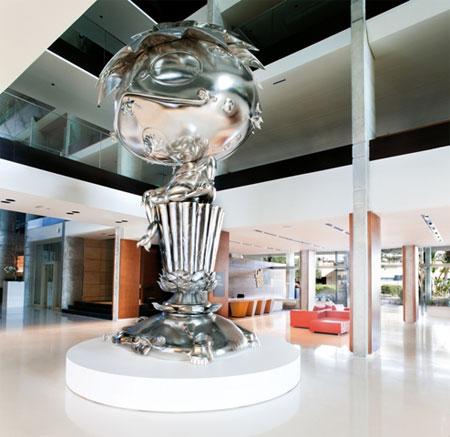 Oval Buddha, la emblemática obra de Takashi Murakami