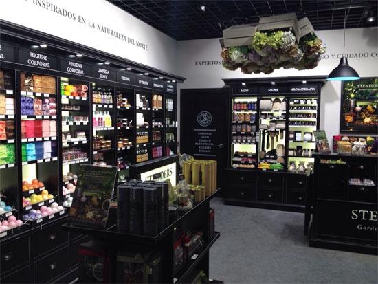 Stenders abre su primera tienda en España en Diagonal Mar