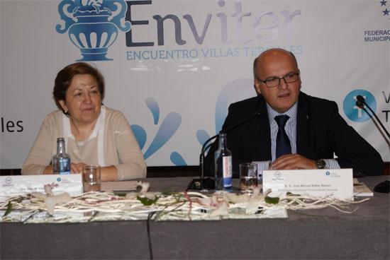 La Secretaria General de Sanidad, Pilar Farjas y el Presidente de la Diputación de Ourense, Manuel Baltar