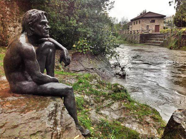 Hombre Pez en el río Miera