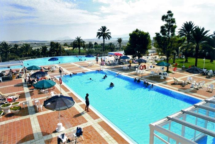 Balnearios con ducha nasal ver en imagenes en for Balneario de fortuna precios piscina
