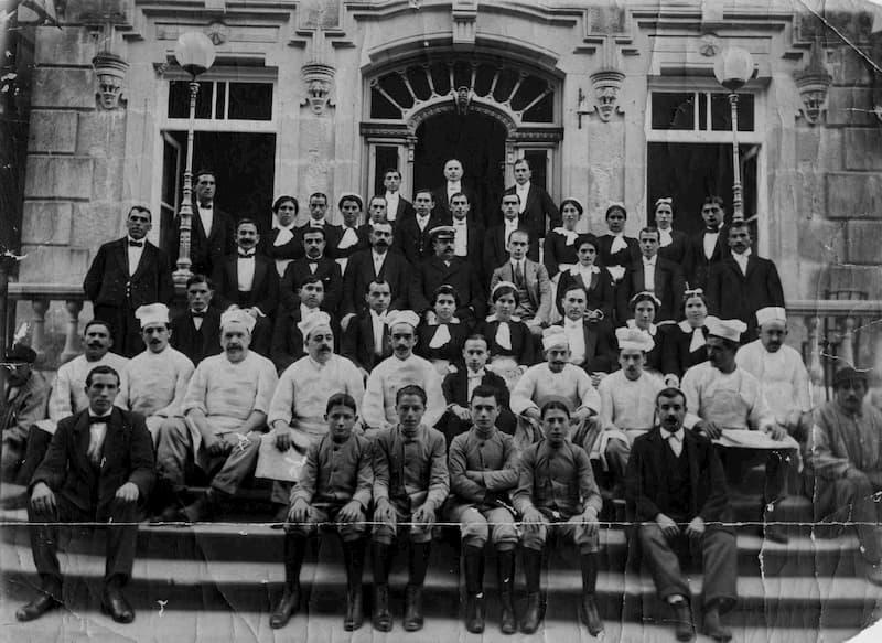 Personal del Gran Hotel en 1920 (Balneario de Mondariz)