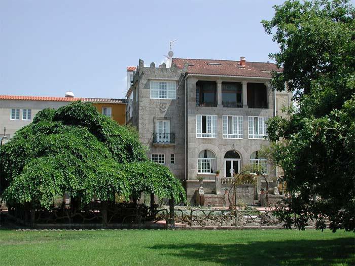Hotel La Virgen- Vista desde los jardines