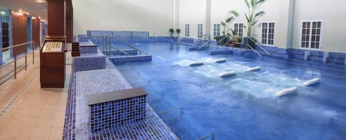 Panoramica piscina interior