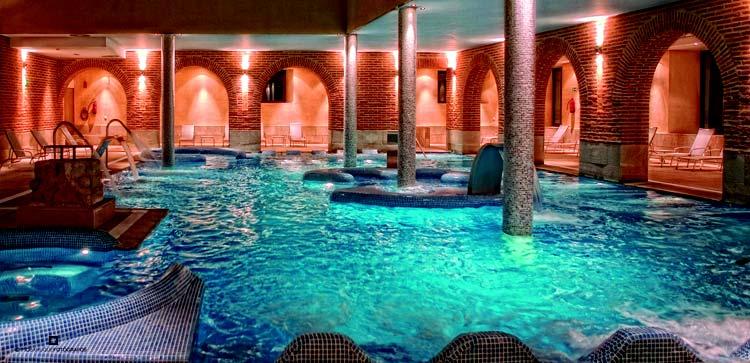 Balneario olmedo en olmedo valladolid castilla leon espaa for Hotel piscina segovia