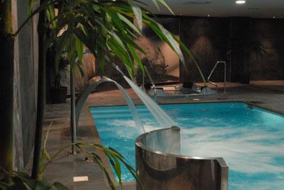 Piscina de chorros de agua spa