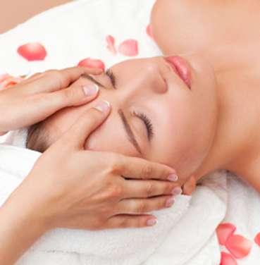 Tratamiento facial de belleza y relax