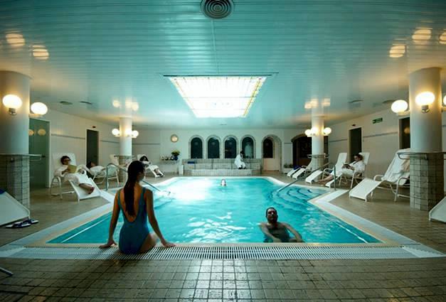 Balneario caldes d estrac caldes d estrac provincia de - Spa aguas de barcelona ...