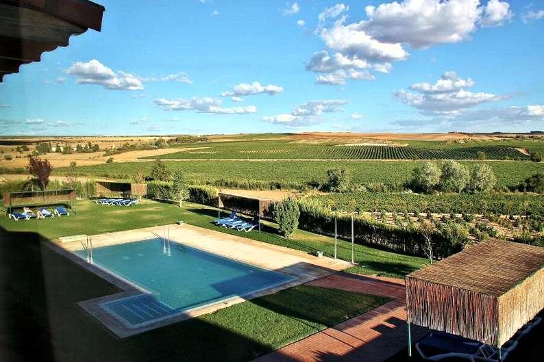 Balnearios en cuenca castilla la mancha espa a hoteles con for Hoteles con piscina en cuenca