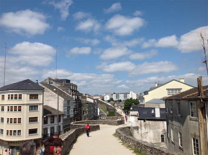 Muralla de Lugo vista sobre su superficie