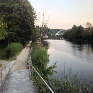 Paseo entre el rio y el Balneario  Balneario de Lugo
